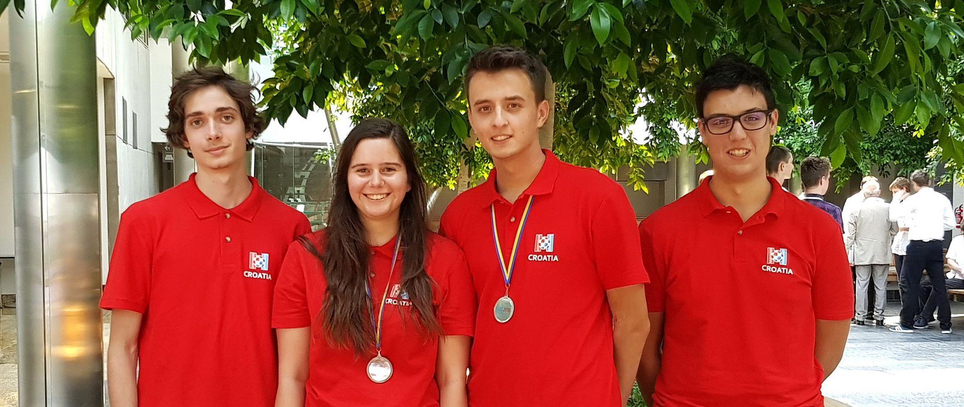 VARŠAVA Mladi hrvatski informatičari osvojili srebro i broncu
