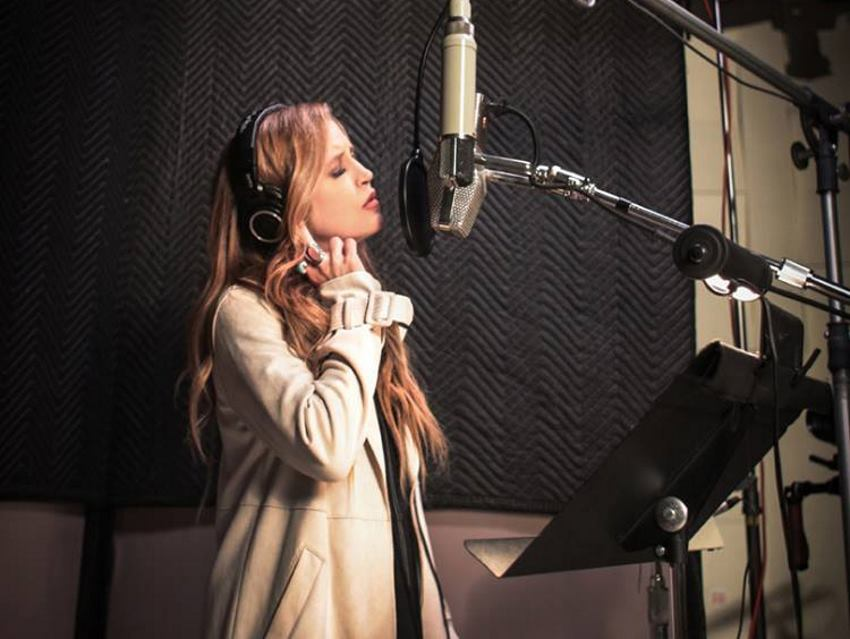 VIDEO: Lisa Marie Presley vrlo emocionalno doživjela duet s pokojnim ocem