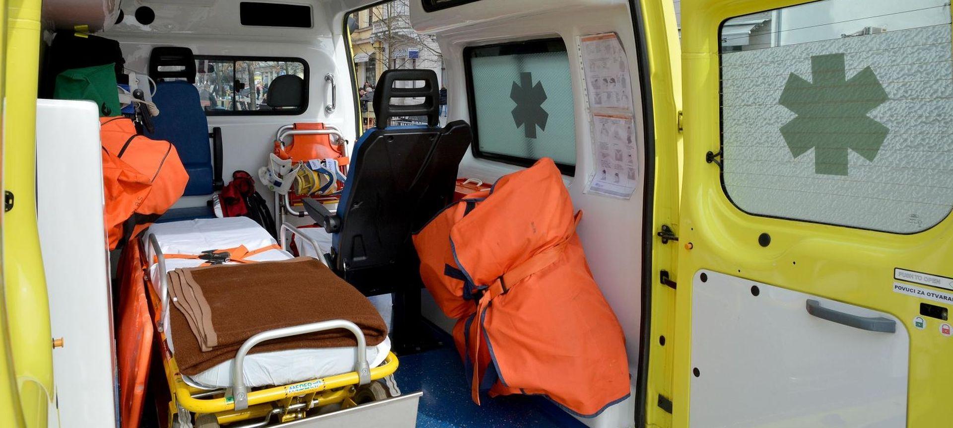 Vozila ZG sanitetskog prijevoza s vanjskim defibrilatorima
