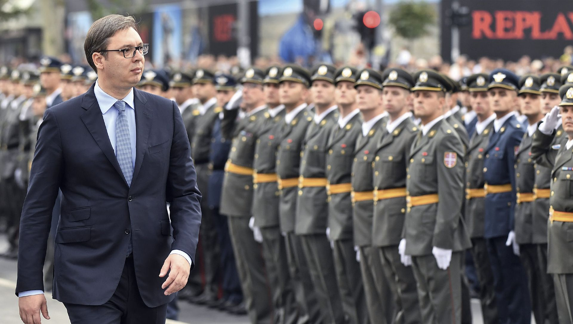 OPSESIJA TITOM Vučić militarizira zemlju i želi postati novi 'vrhovni komandant'