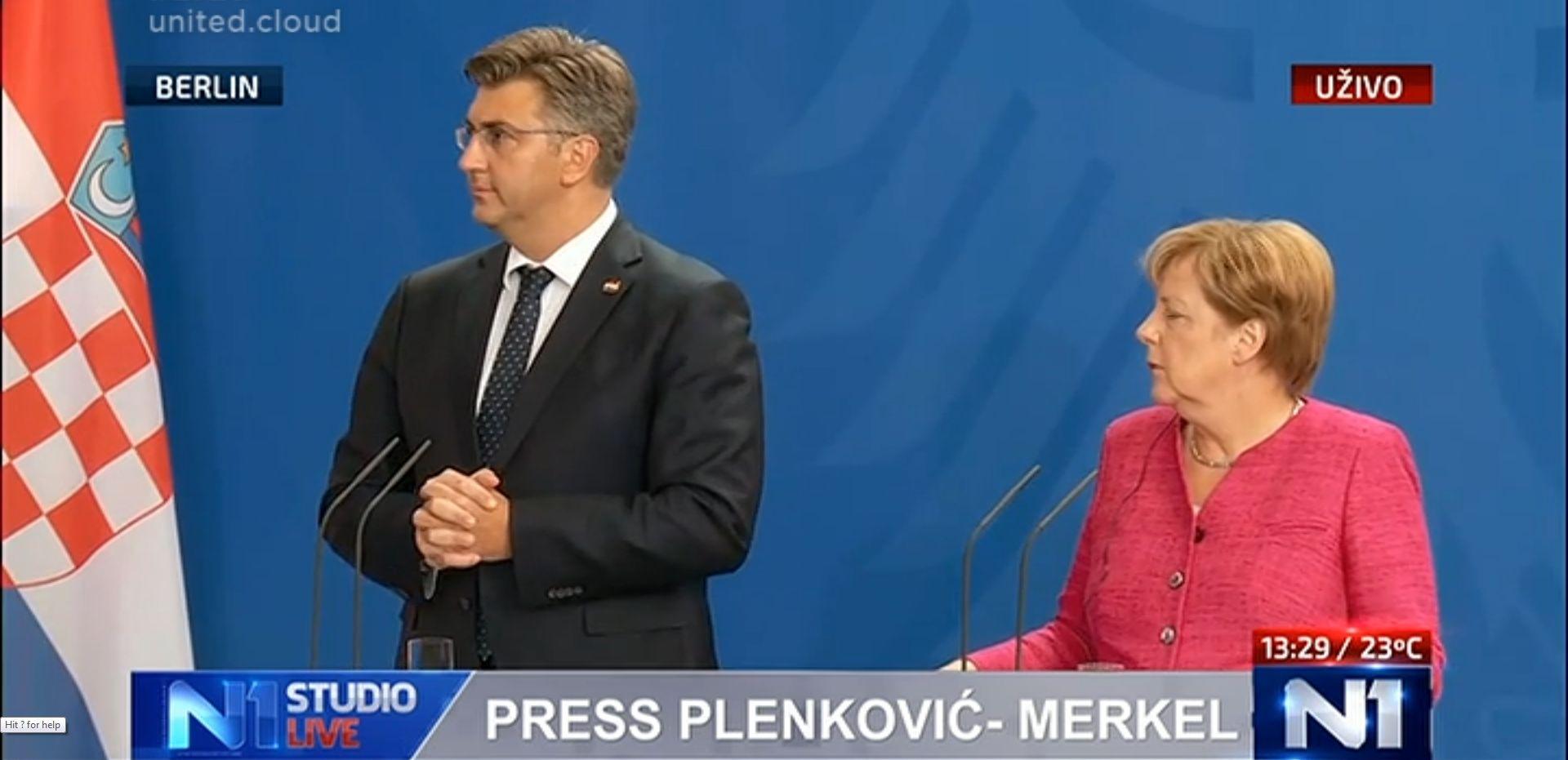 """MERKEL NAKON SASTANKA """"Hrvatska radi odličan posao na granicama"""""""