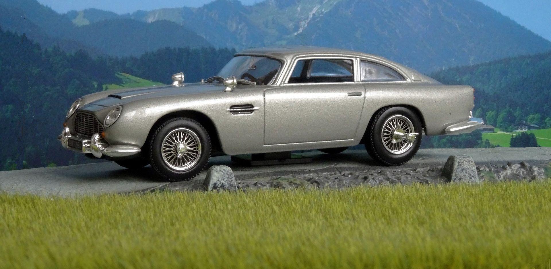 Aston Martin ponovno izrađuje Bondov automobil