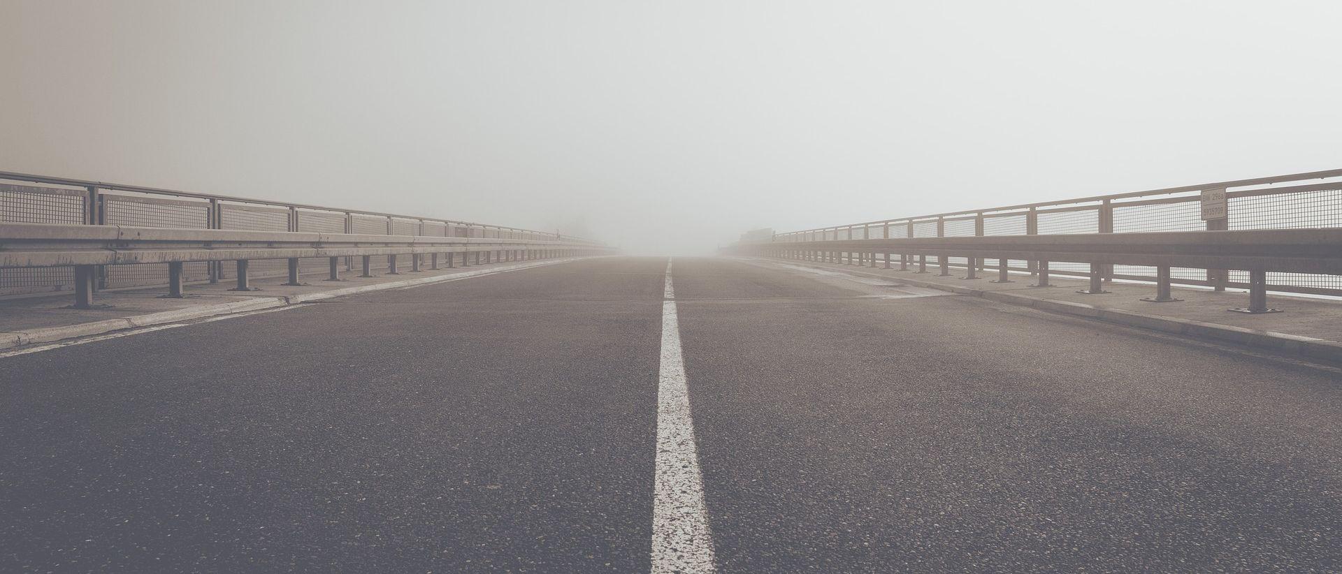 Magla smanjuje vidljivost i usporava vožnju
