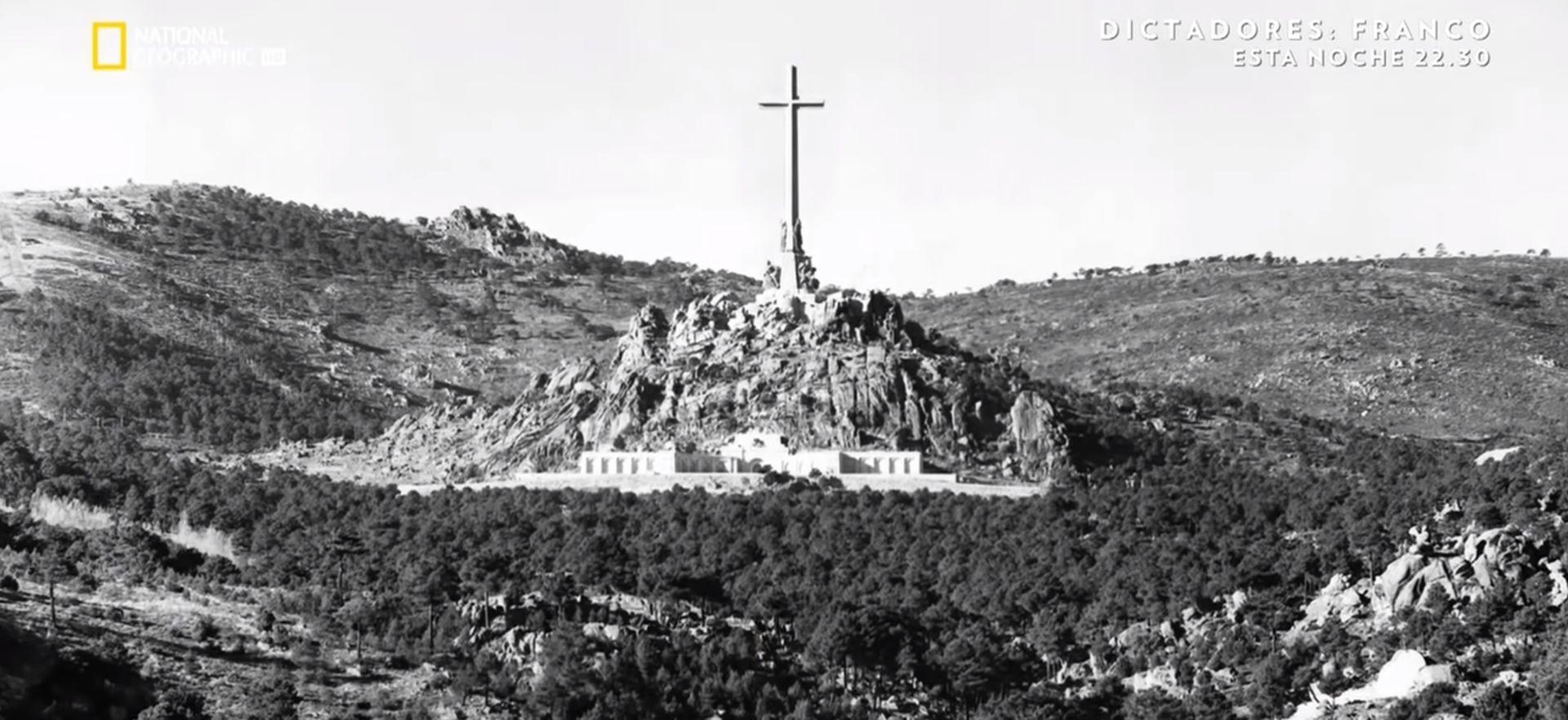 MORBIDNA ZNATIŽELJA Tisuće nahrupile na Francov grob