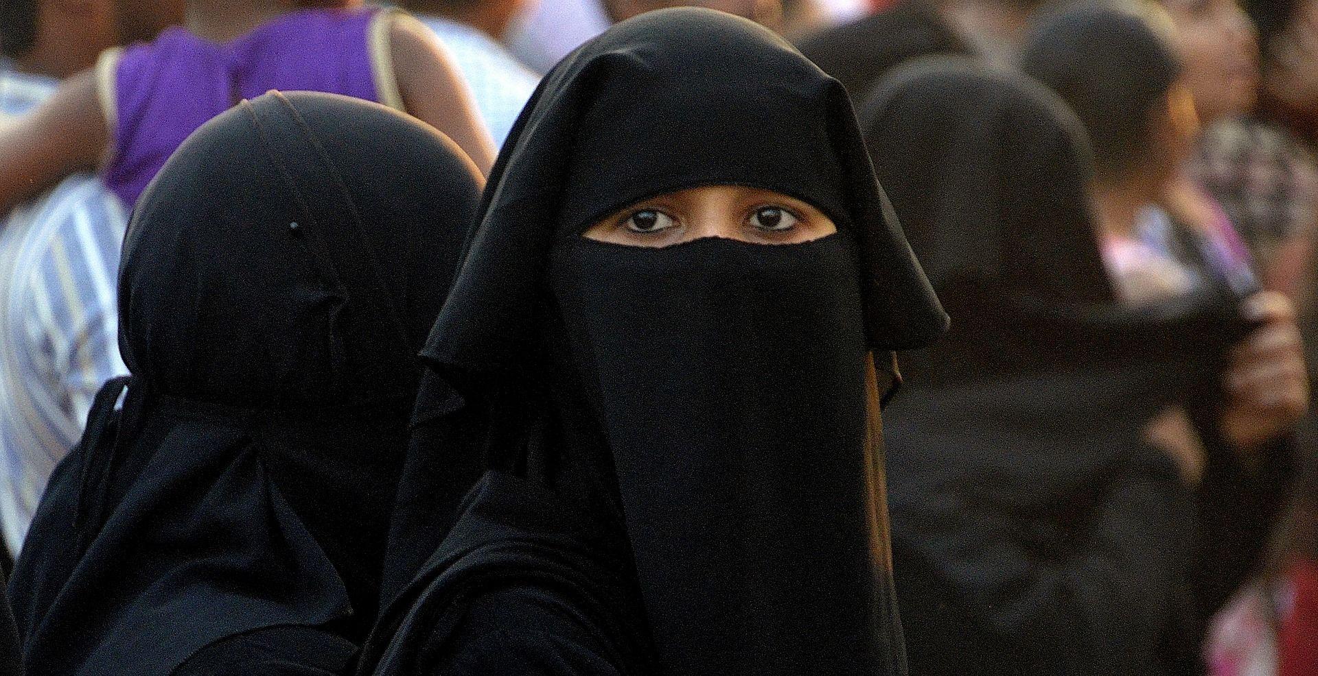 FELJTON Pobuna heretkinje iz Somalije