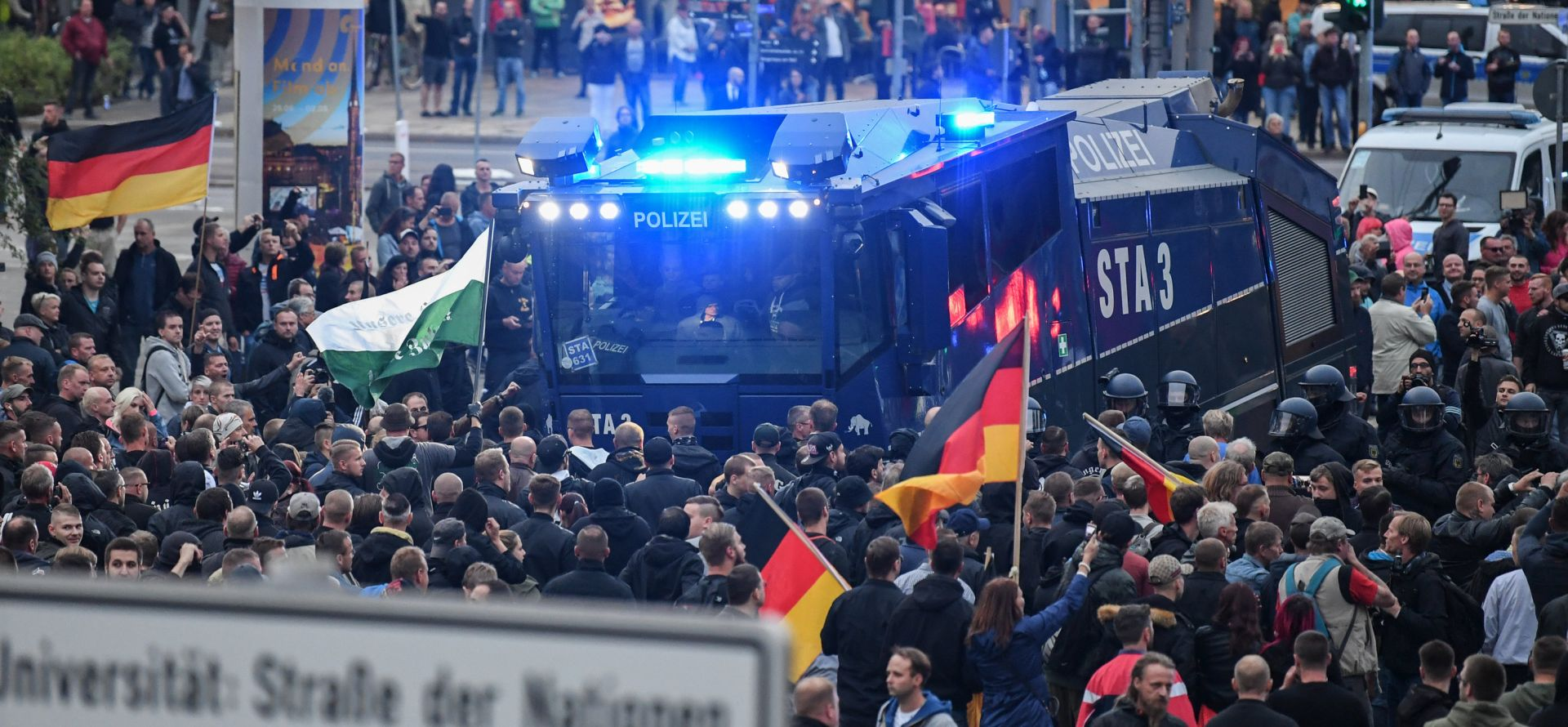 TRI GODINE OD OTVARANJA GRANICA Europu potkapa migrantska kriza