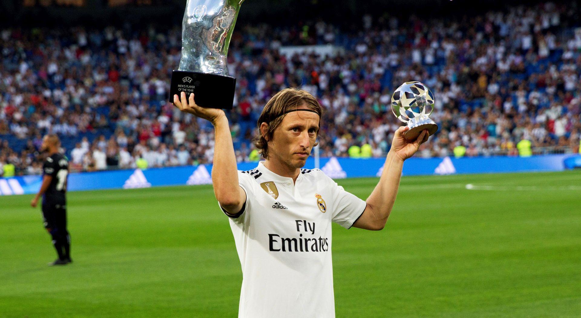 FIFA Modrić nominiran za najboljeg igrača svijeta