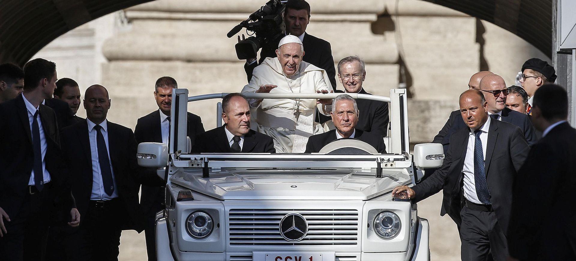 Papa saziva sastanak o sprječavanju seksualnog zlostavljanja