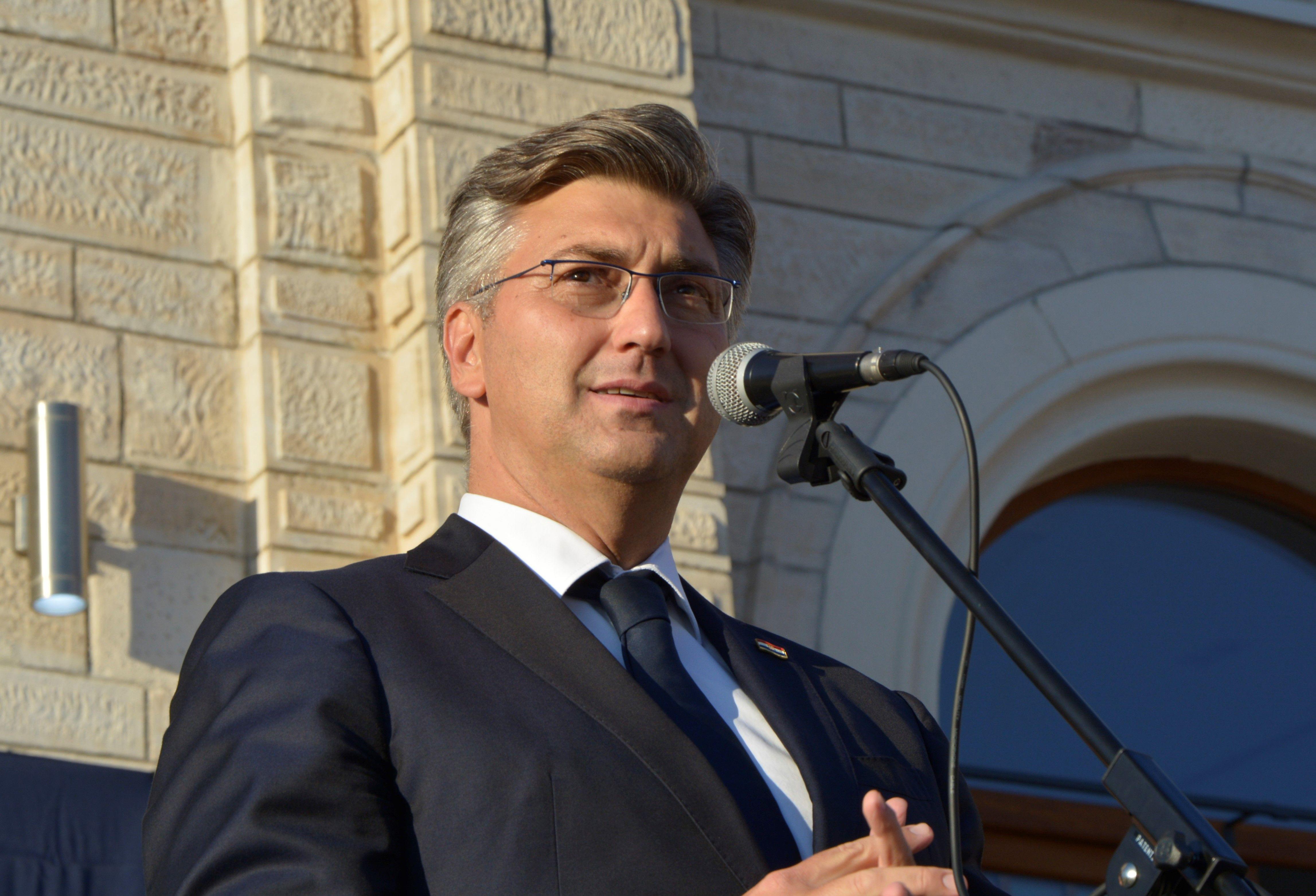 PLENKOVIĆ 'Najvažniji strateški interes Hrvatske su odnosi s BiH'