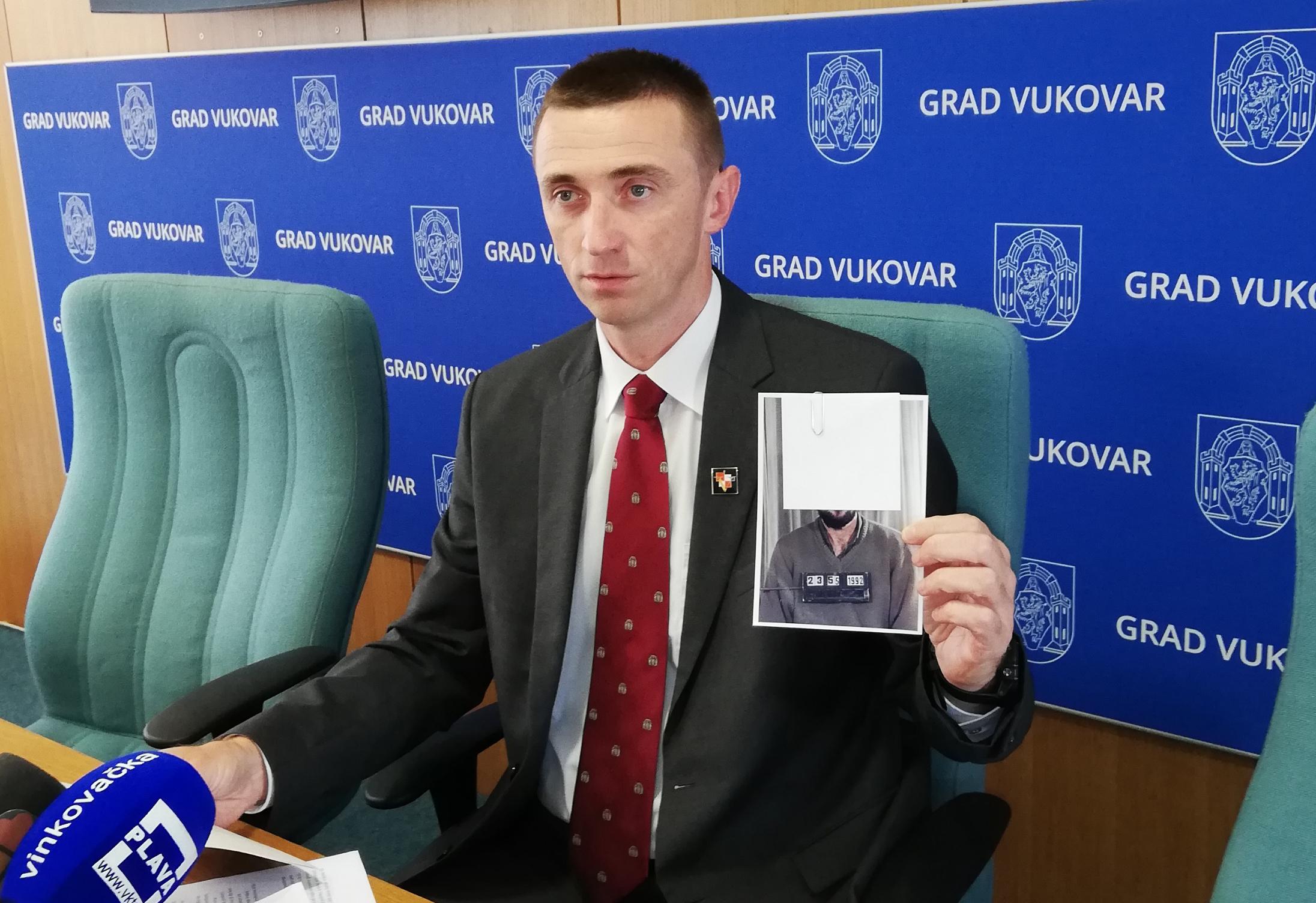 Penava ne odustaje od prosvjeda u Vukovaru