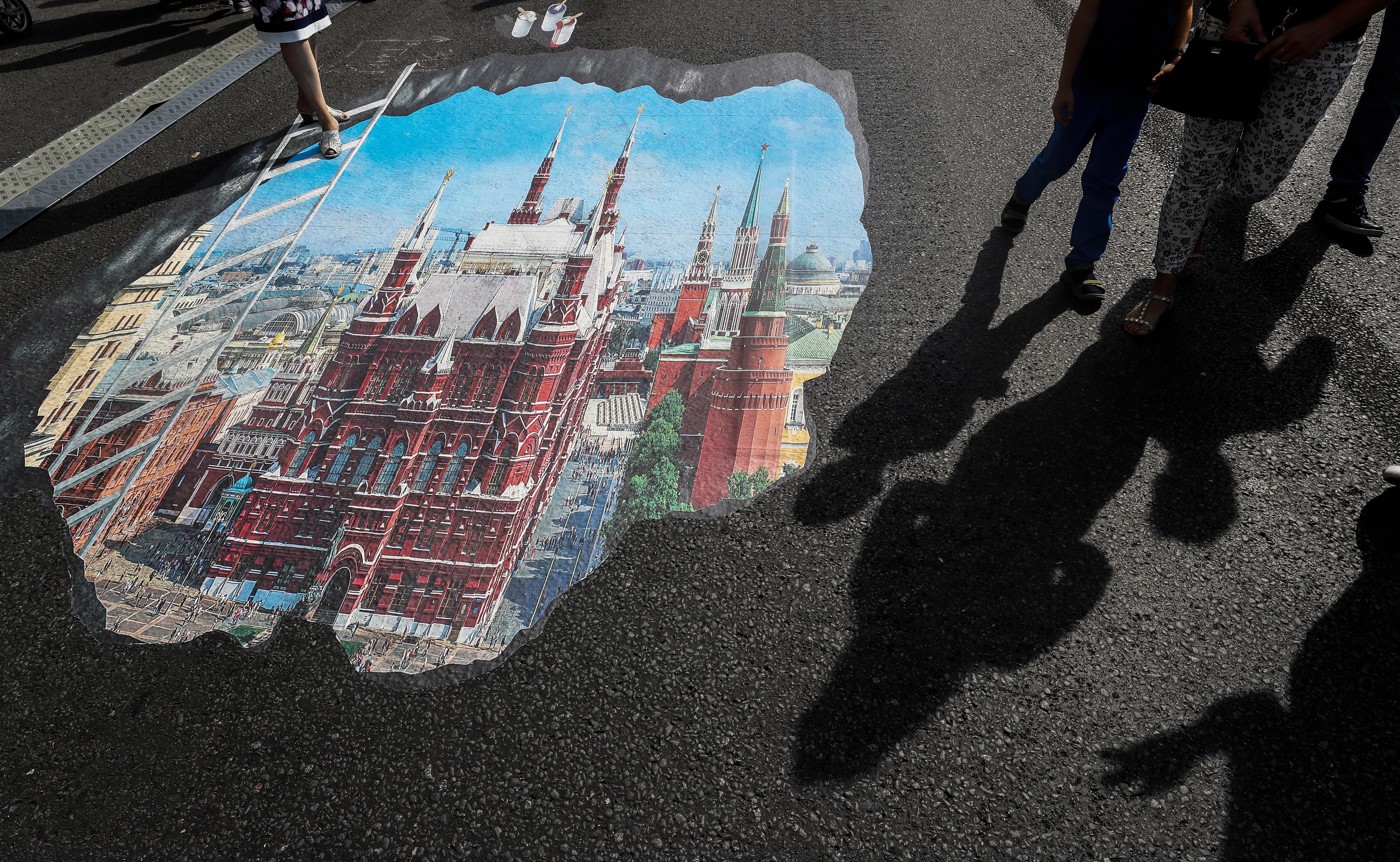 Rusi na biralištima, oporba na ulicama protiv mirovinske reforme