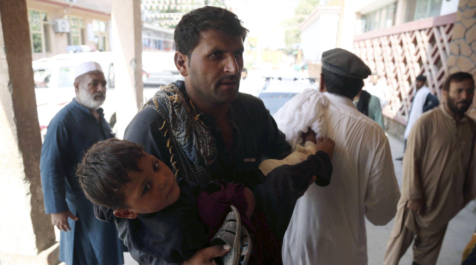 Samoubilački napad u Afganistanu, ubijene 22 osobe