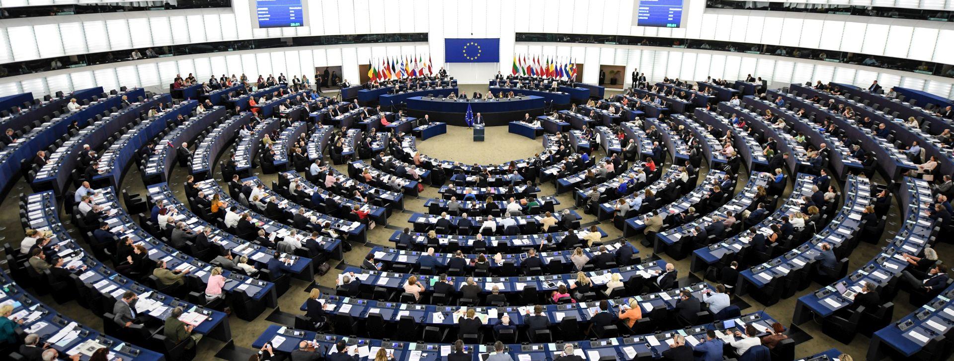 Slovenija u Europskom parlamentu od Junckera traži pritisak na Hrvatsku