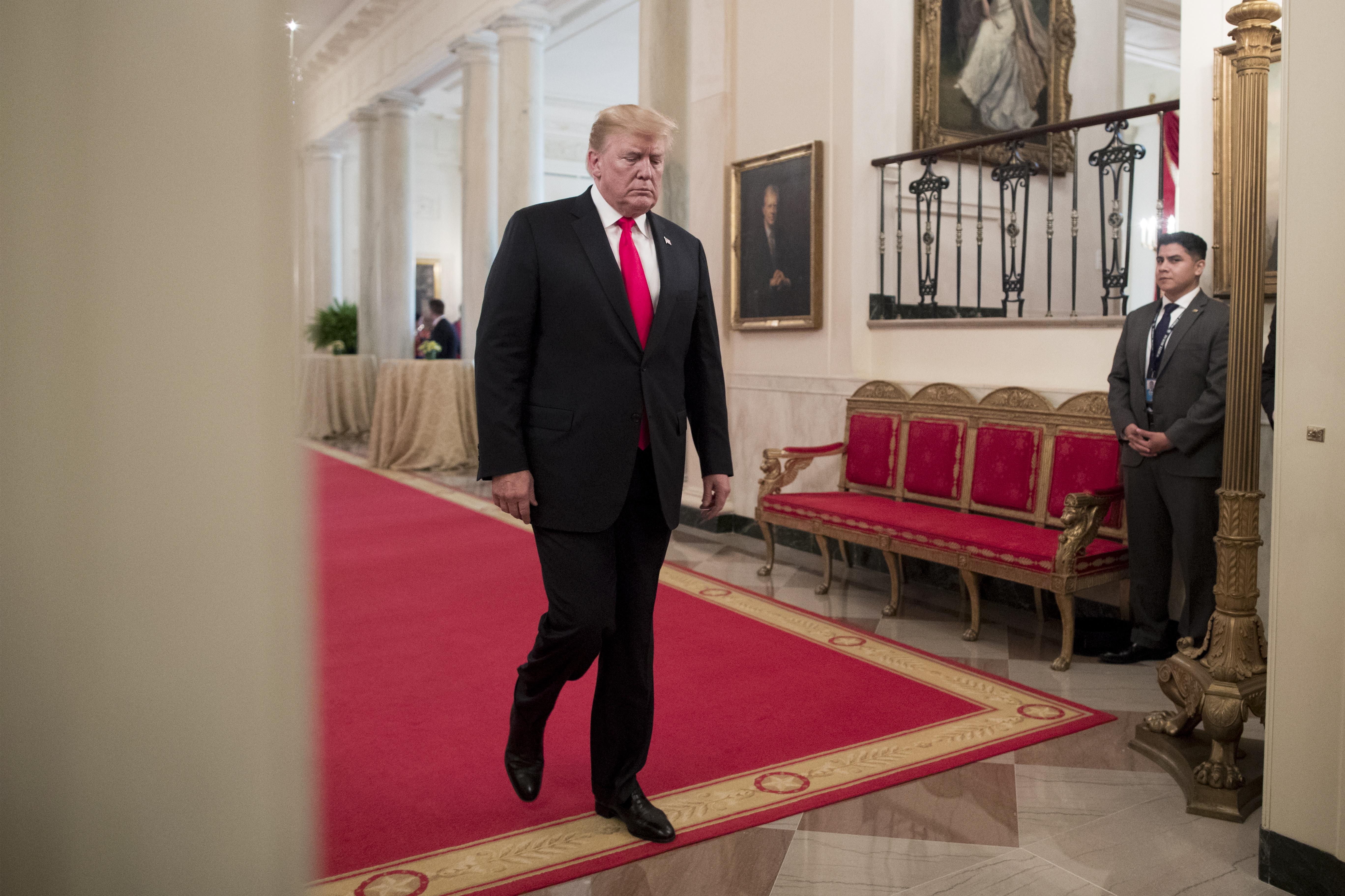Trump prijeti novim carinama