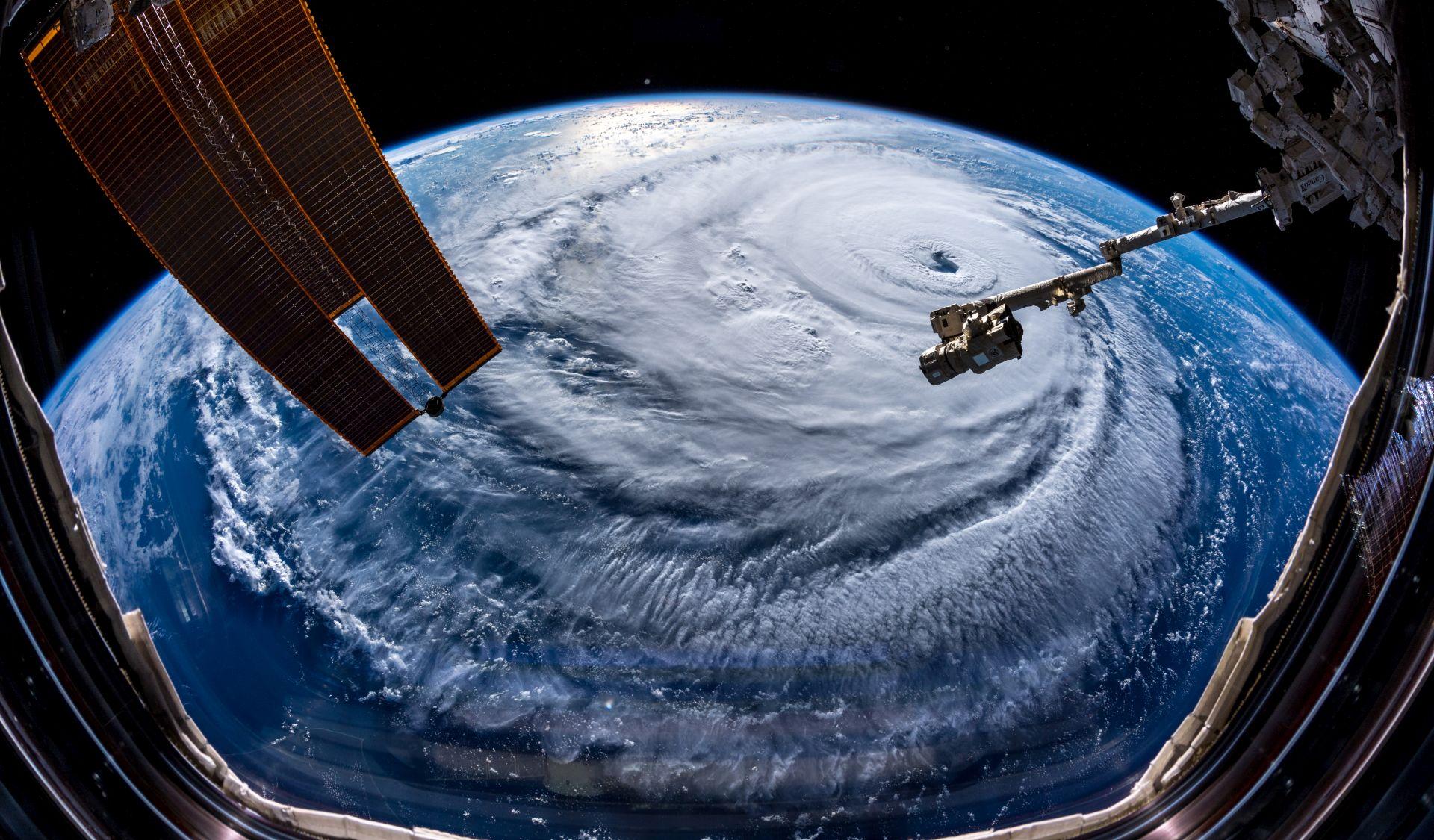 Uragan Florence oslabio, Karolinama haraju vjetrovi i poplave