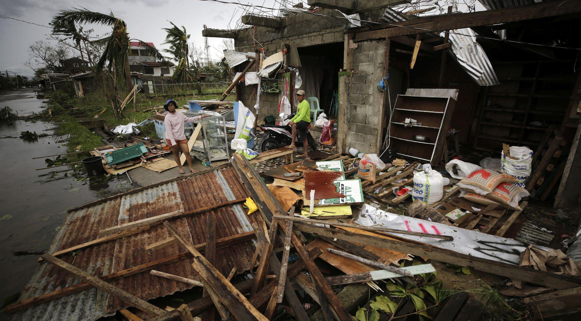 SUPERTAJFUN Najmanje 14 mrtvih na Filipinima