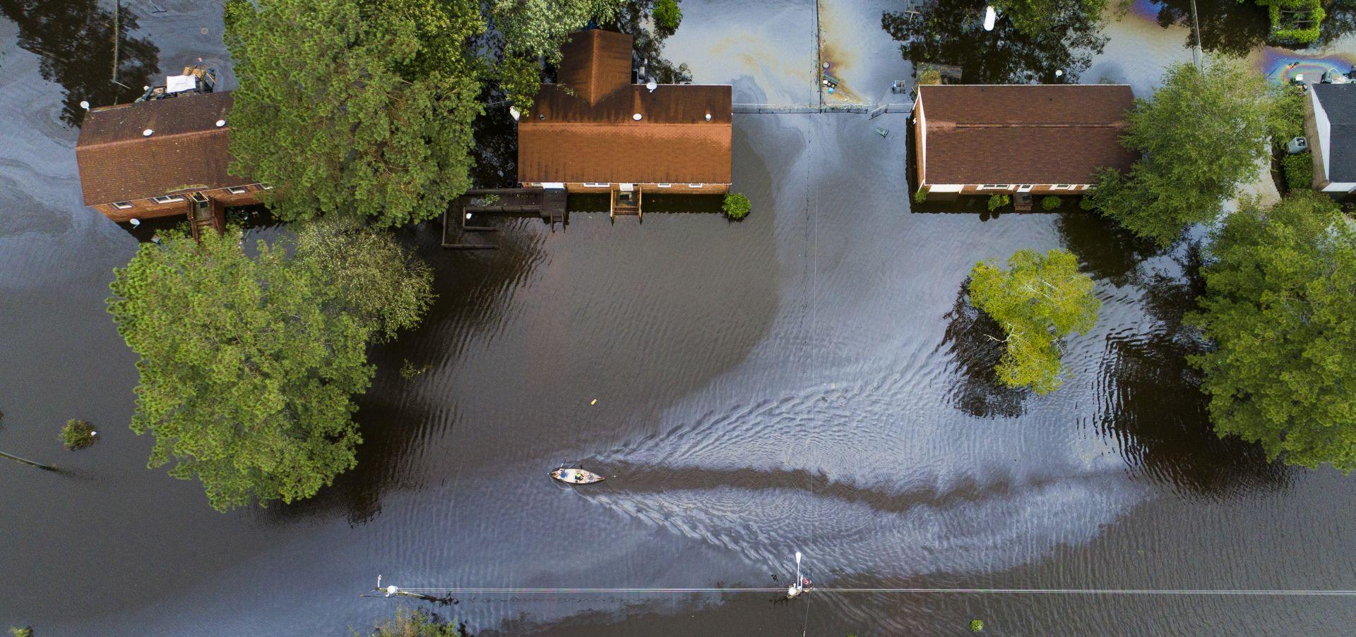 Florence je oslabila, ali poplave i dalje prijete