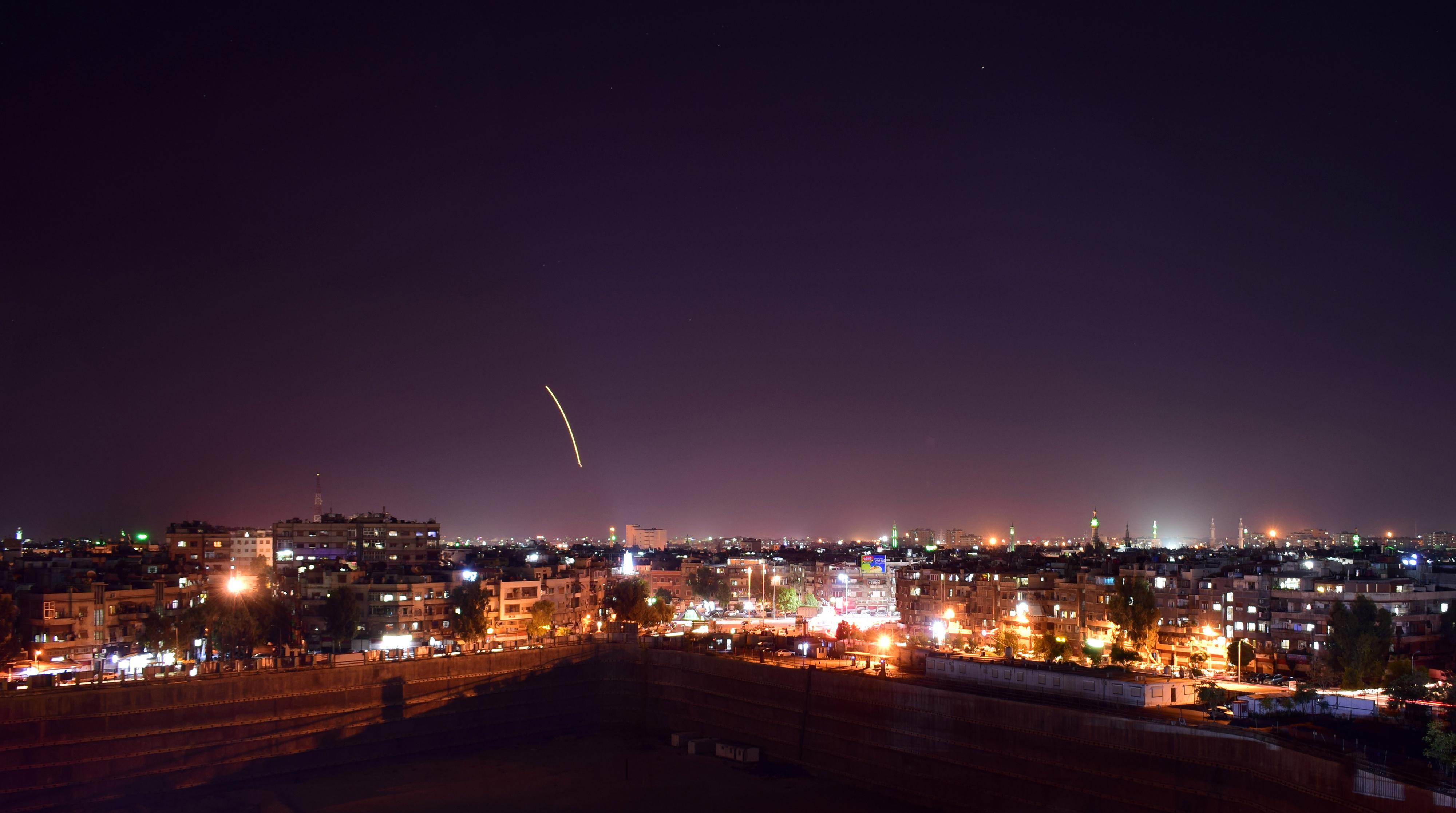 Izrael žali zbog rušenja ruskog zrakoplova, okrivljuje Asada i Iran