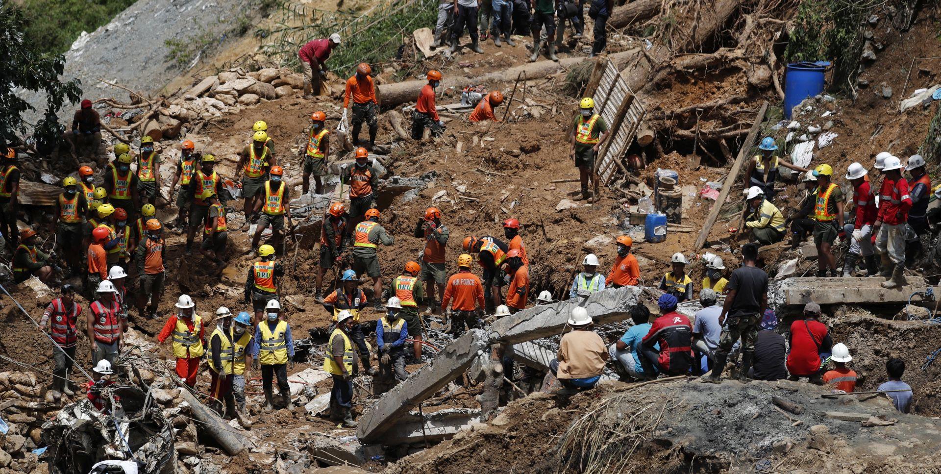 Najmanje 70 nestalih na Filipinima nakon razornog tajfuna