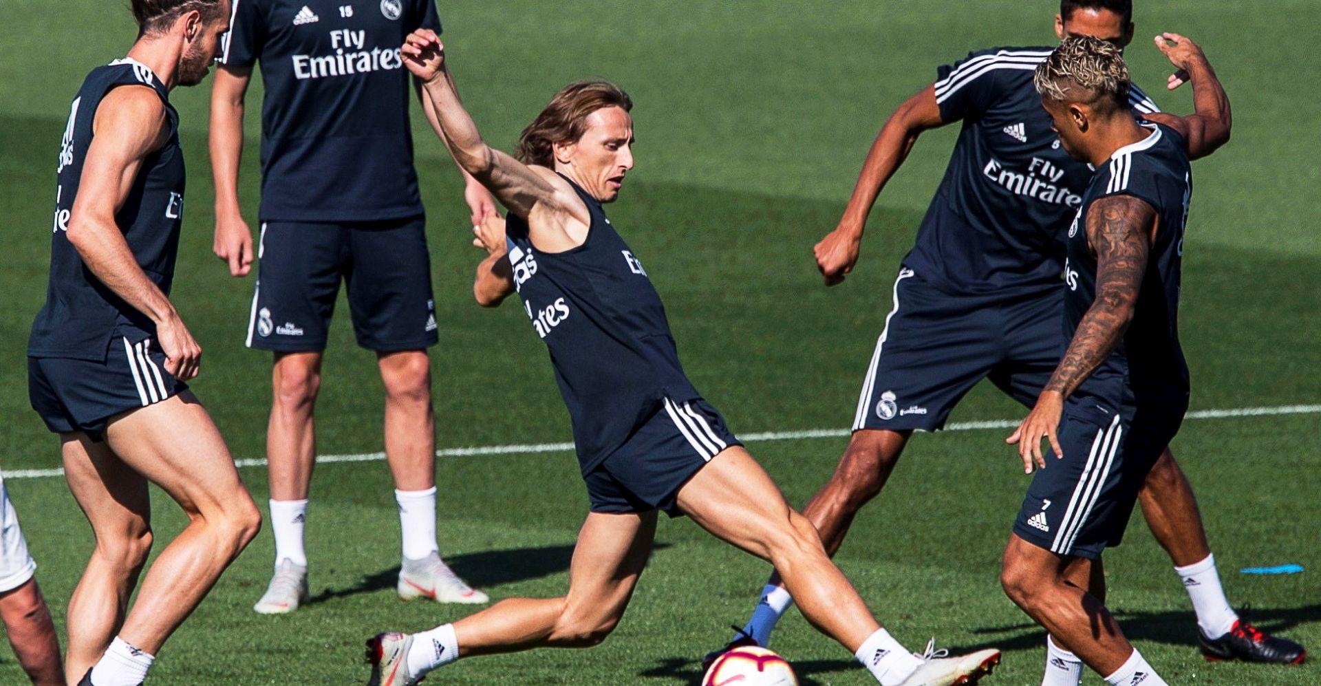 Modrić donio trofej u Madrid gdje želi završiti karijeru
