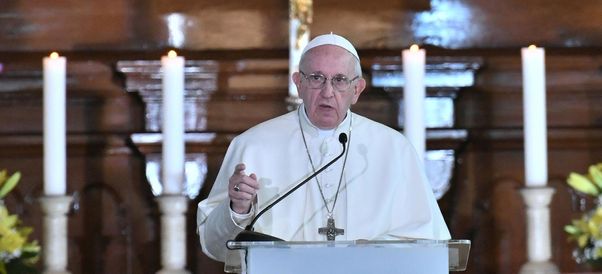 """PAPA """"Mladi su s pravom ljutiti na Crkvu zbog zlostavljanja"""""""