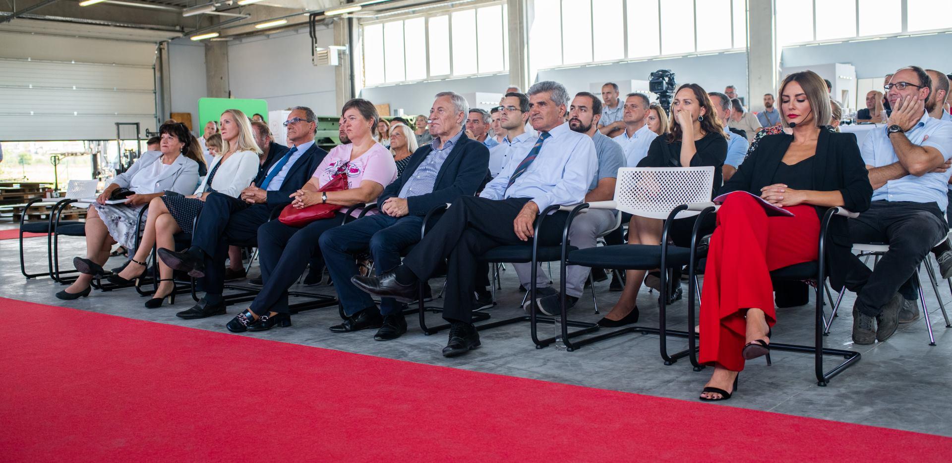 FOTO: Proizvodni pogon tvrtke Mihoković d.o.o. otvoren u Poduzetničkoj zoni Pisarovina