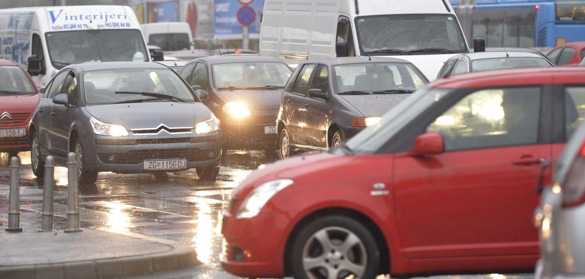 KIŠA I RADOVI Velike gužve na zagrebačkim cestama