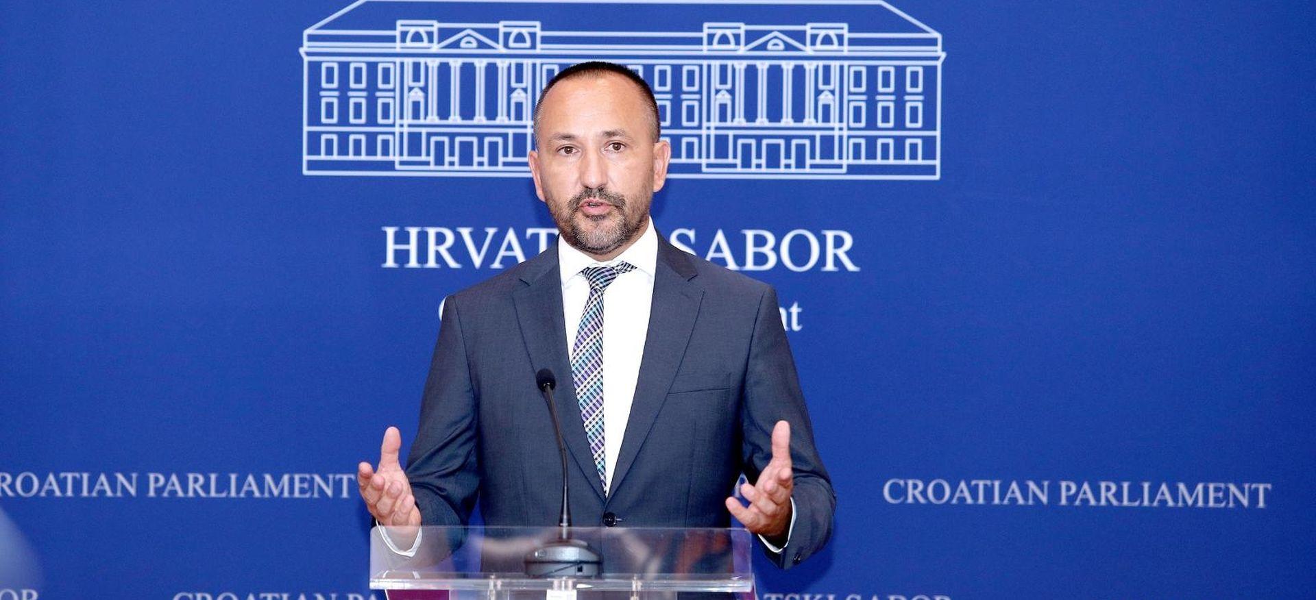 Zekanović prozvao Ministarstvo kulture zbog financiranja FALIŠ-a