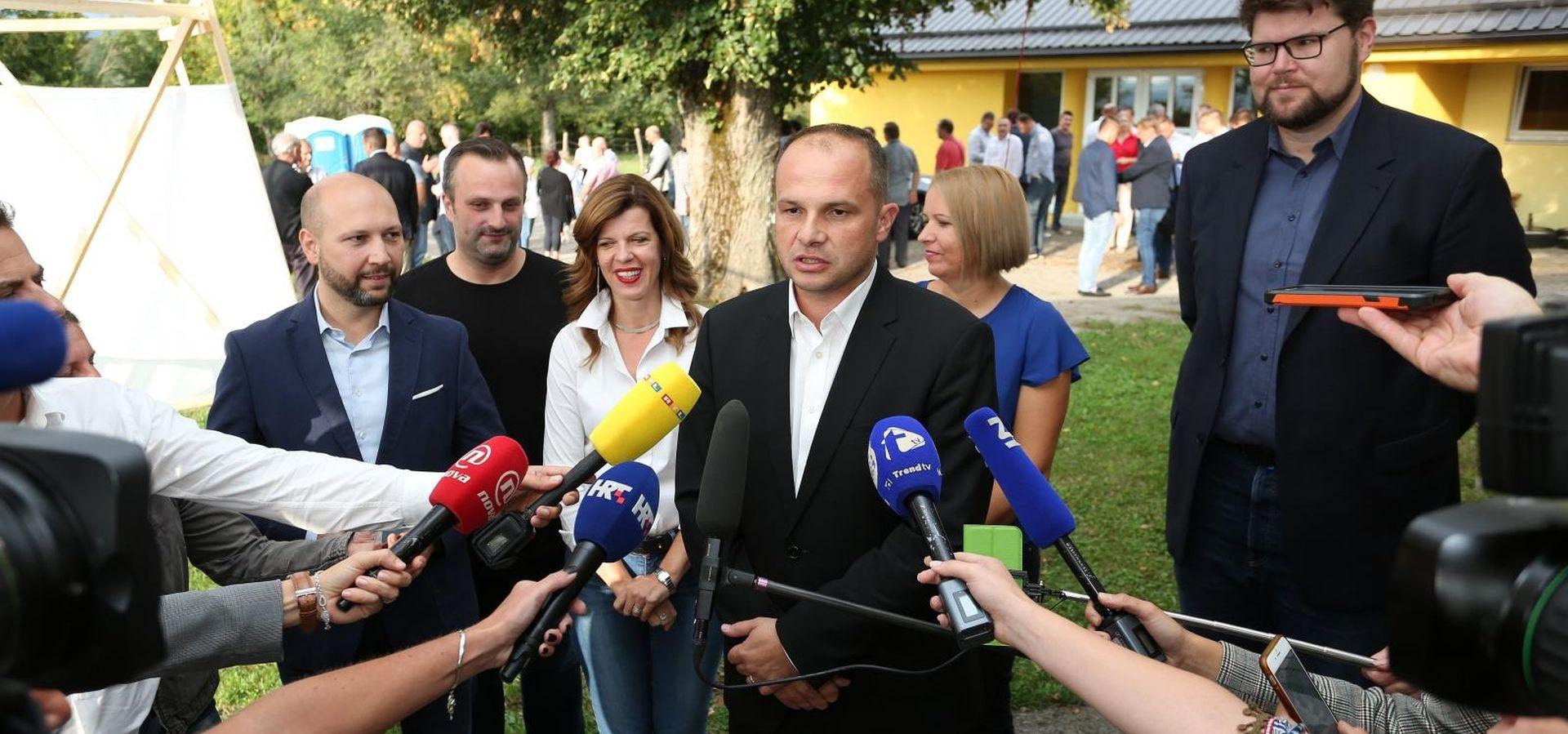 """HAJDAŠ DONČIĆ """"Grbin odličnorješenjeza upravljanje Klubom SDP-a"""""""
