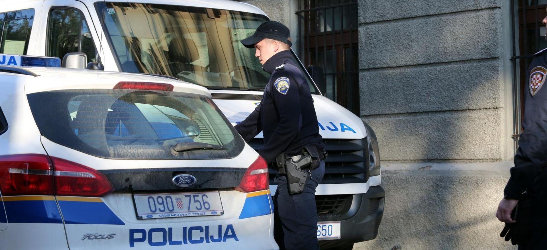 Moldavac i Talijan kod Gračaca krijumčarili 35 migranata