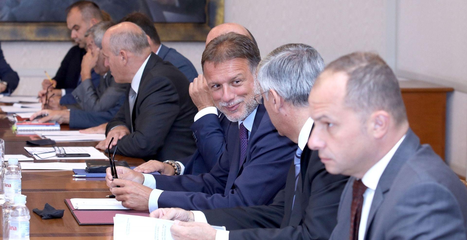 "JANDROKOVIĆ ""HDZ je itekako stabilan, usporedite nas s drugim strankama"""