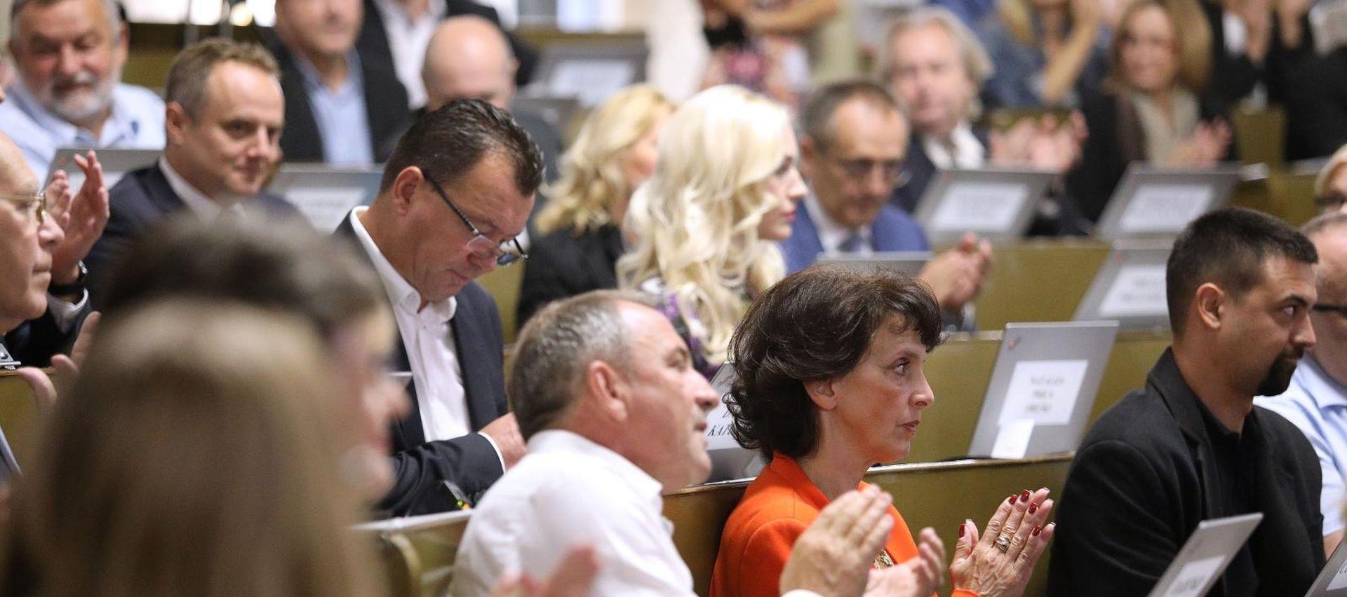Zagrebačka Skupština prihvatila prijedlog o otpisu dugova