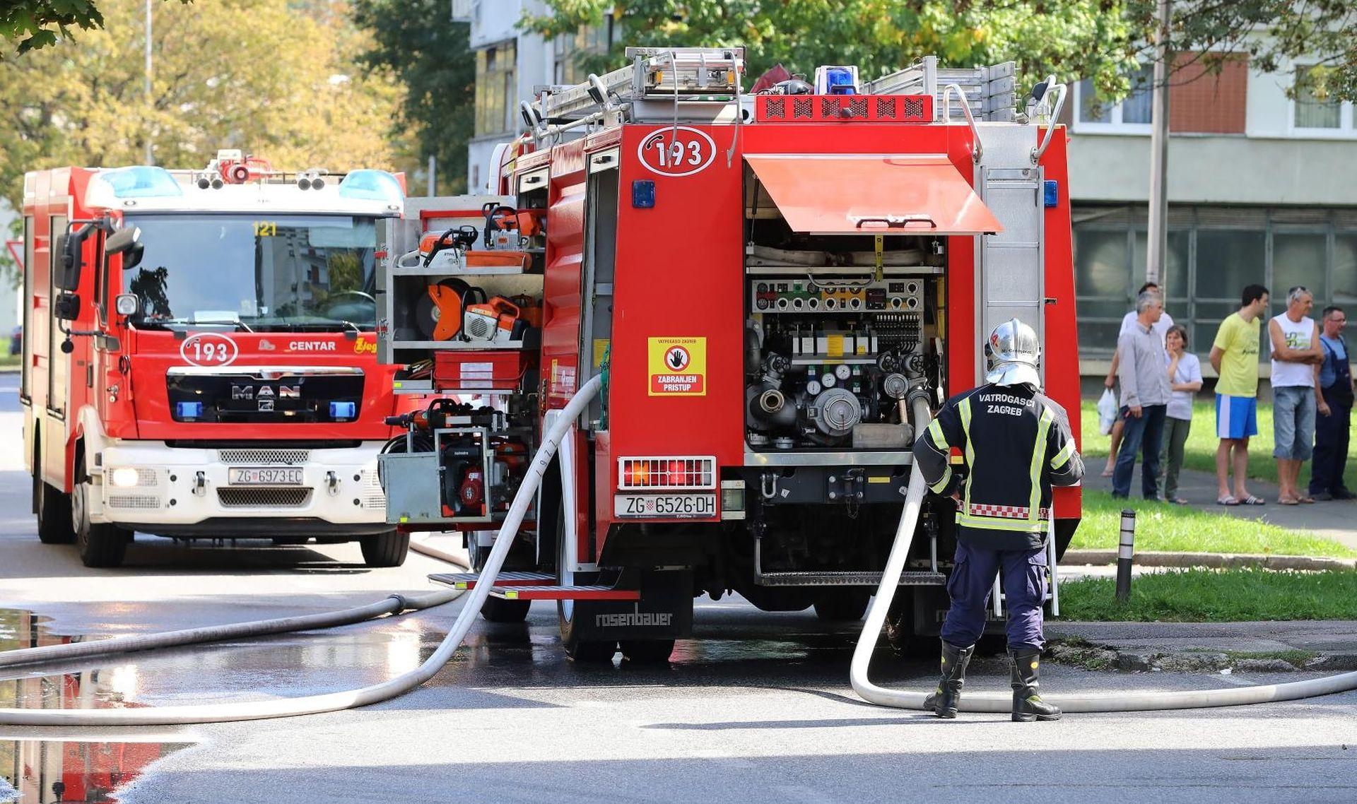 Požar u stanu u Novom Zagrebu, vatrogasci spasili muškarca