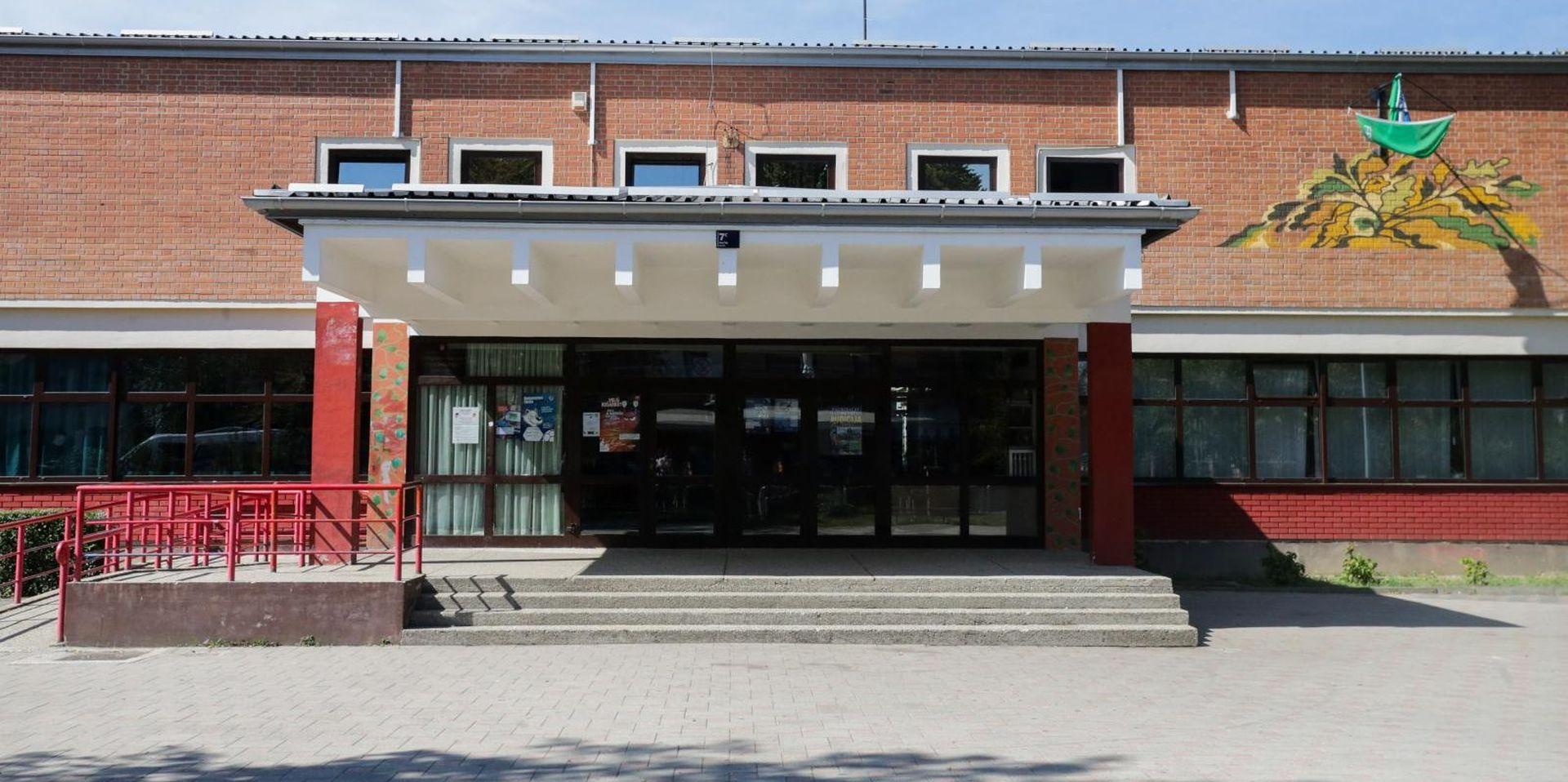 Djeca u Vukomercu došla u školu, stigao i Bandić