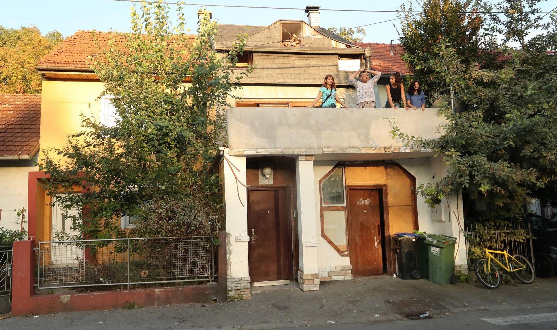 Romska obitelj iz Vukomerca vlasnici hostela u kojem je pretučena Britanka