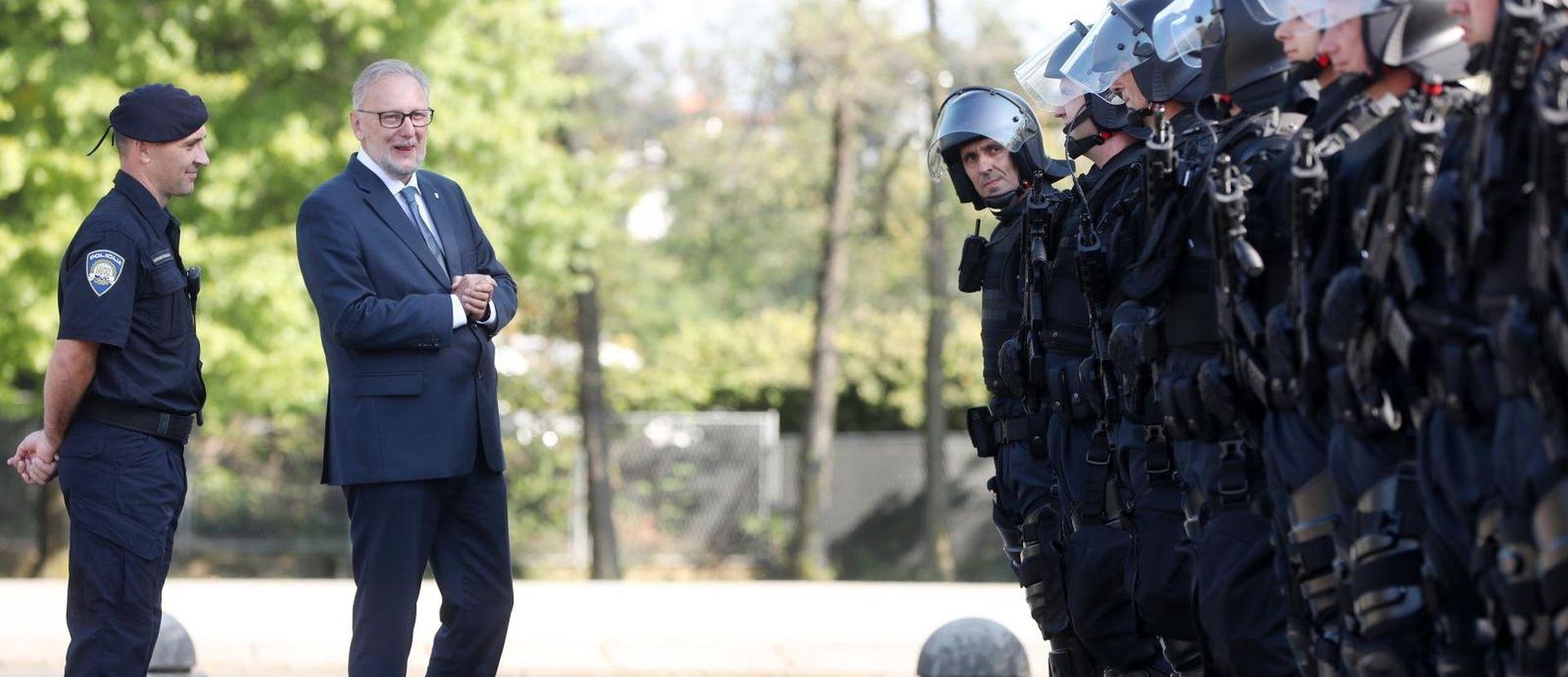 """BOŽINOVIĆ """"U šest mjeseci dvije kaznene prijave za zločine na Ovčari"""""""