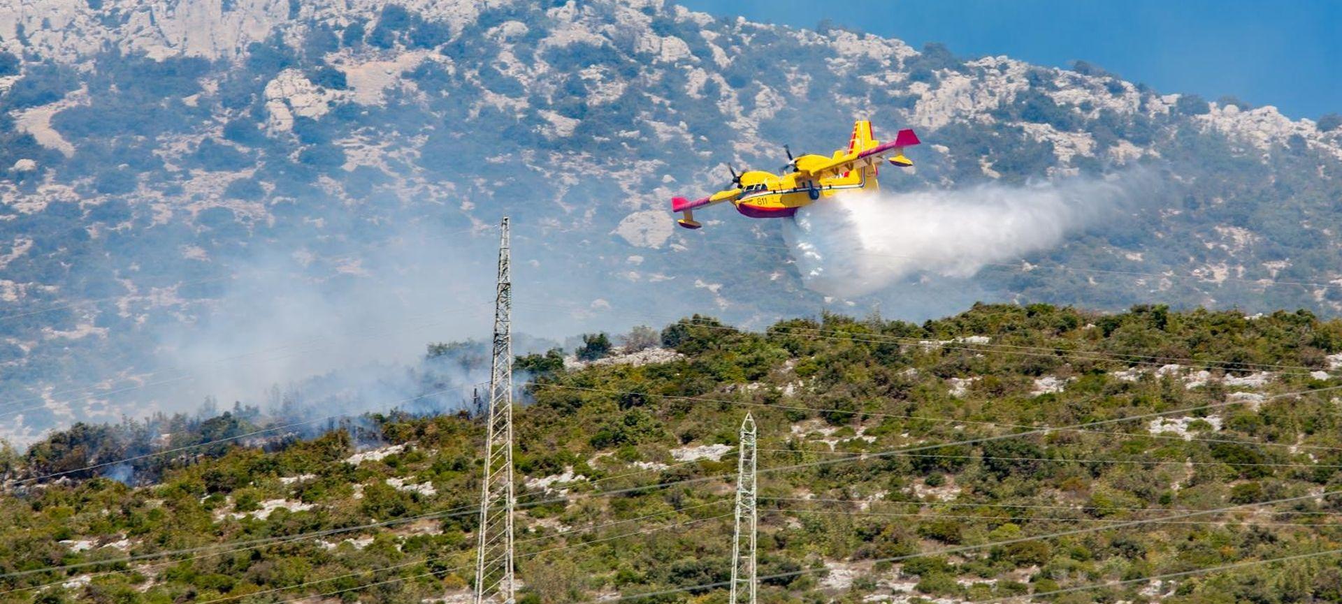 Požar na Pelješcu uspješno stavljen pod nadzor, danas prioritet Kula Norinska