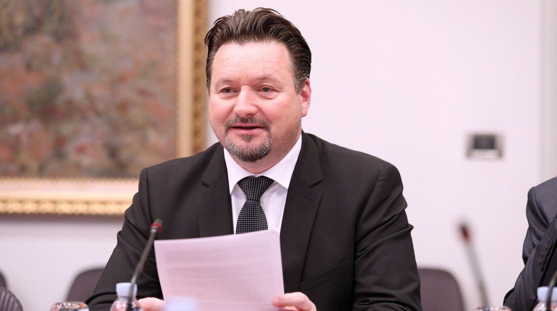 """KUŠČEVIĆ """"HDZ je stabilan unatoč aferi s lažnim SMS-ovima"""""""