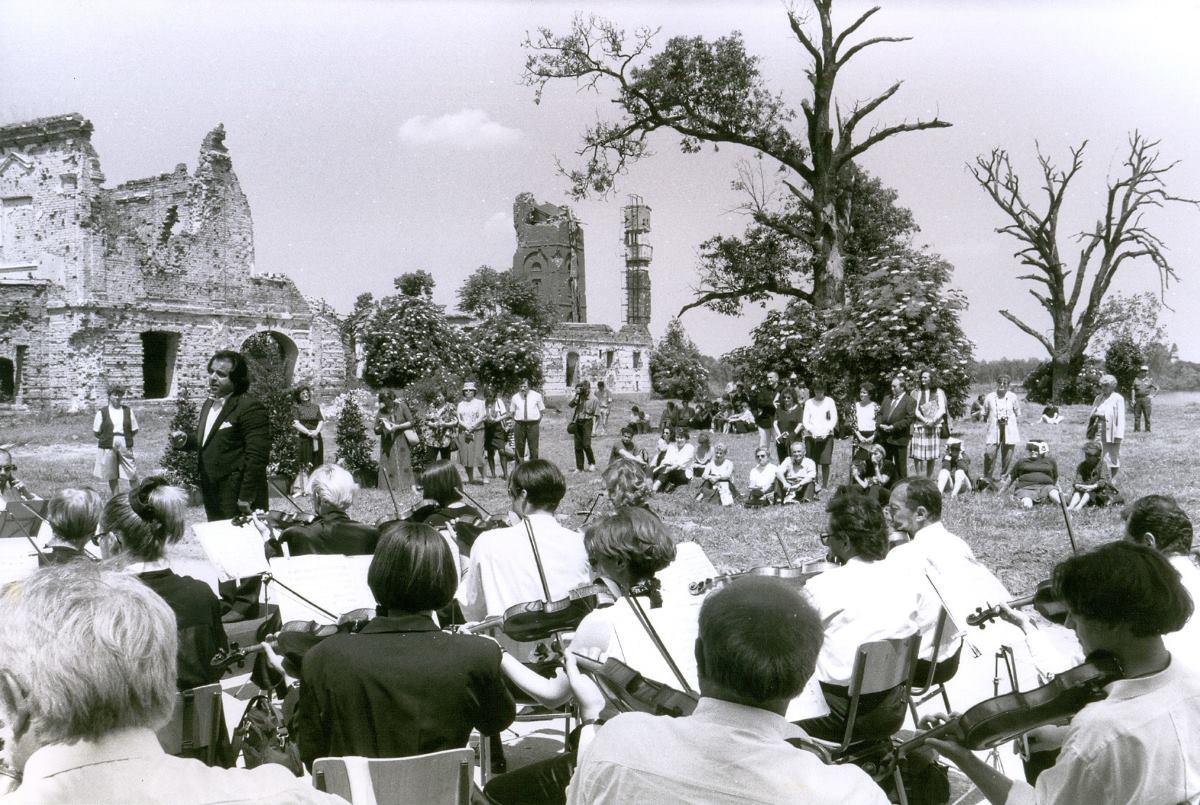 FOTO: Dvadeset godina gostovanja Zagrebačke filharmonije u Vukovaru