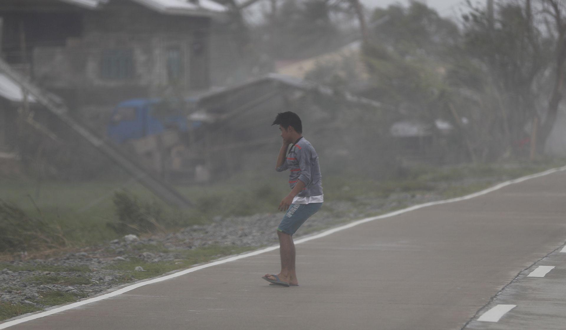 FILIPINI Možda više od 100 mrtvih