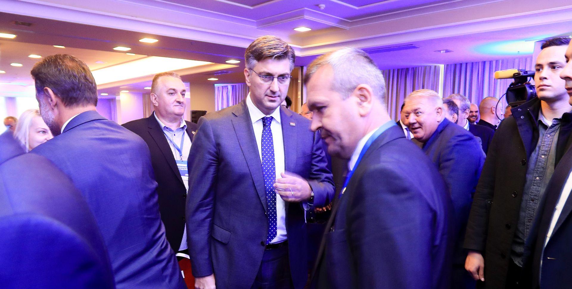 """PLENKOVIĆ """"Bez branitelja ni slobode nit demokracije"""""""