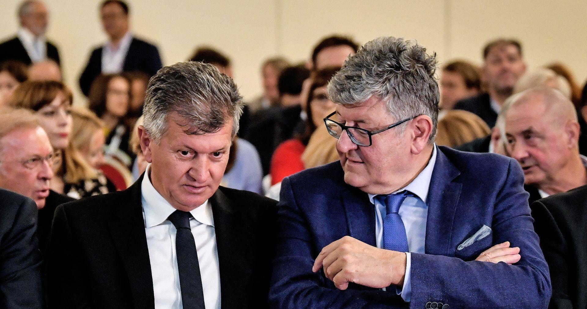 """DR. ĆORUŠIĆ """"Neke kiretaže bez anestezije"""""""