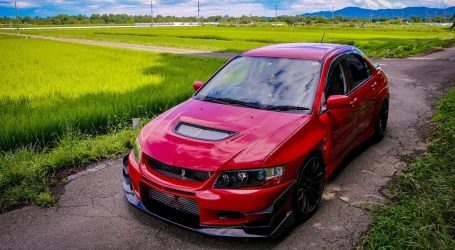 VIDEO: Pogledajmo model Mitsubishi EVO X VARIS II