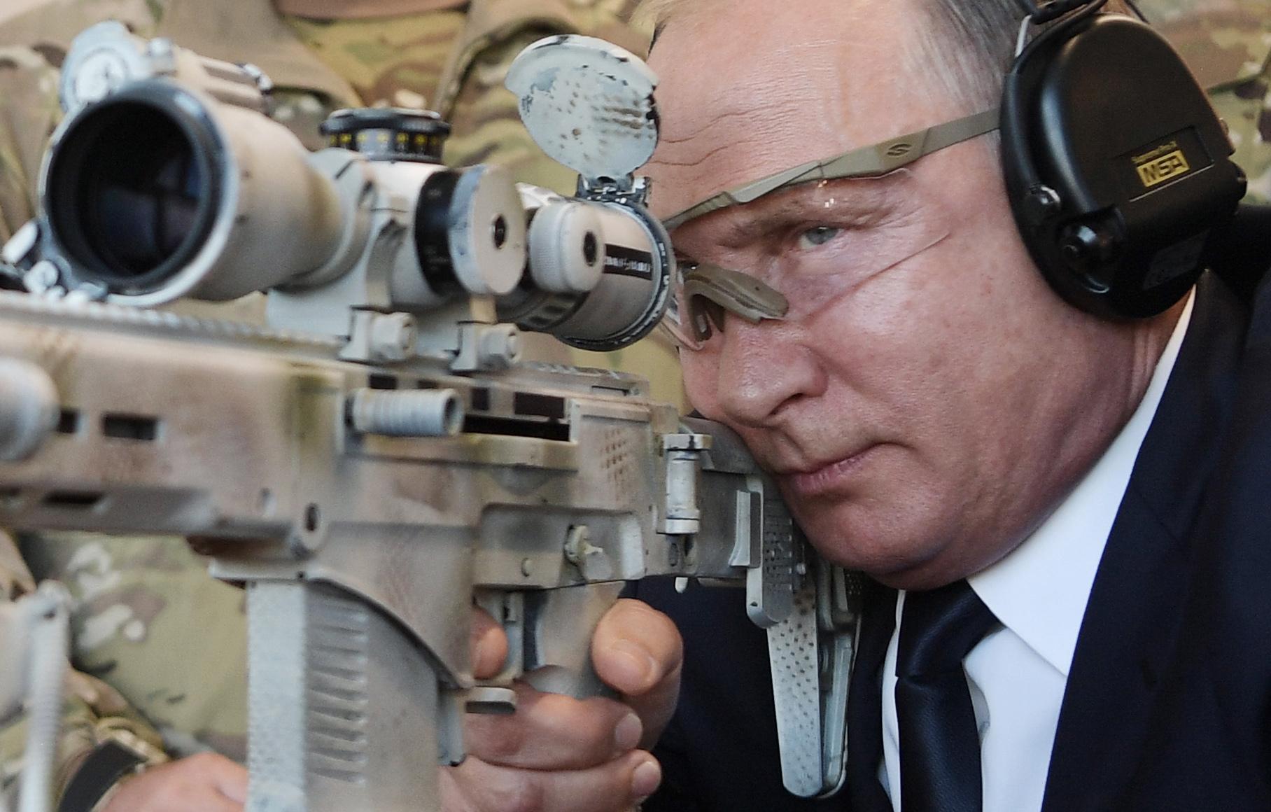 PUTIN 'Rusija bi koristila nuklearni arsenal samo kao odgovor na napad'