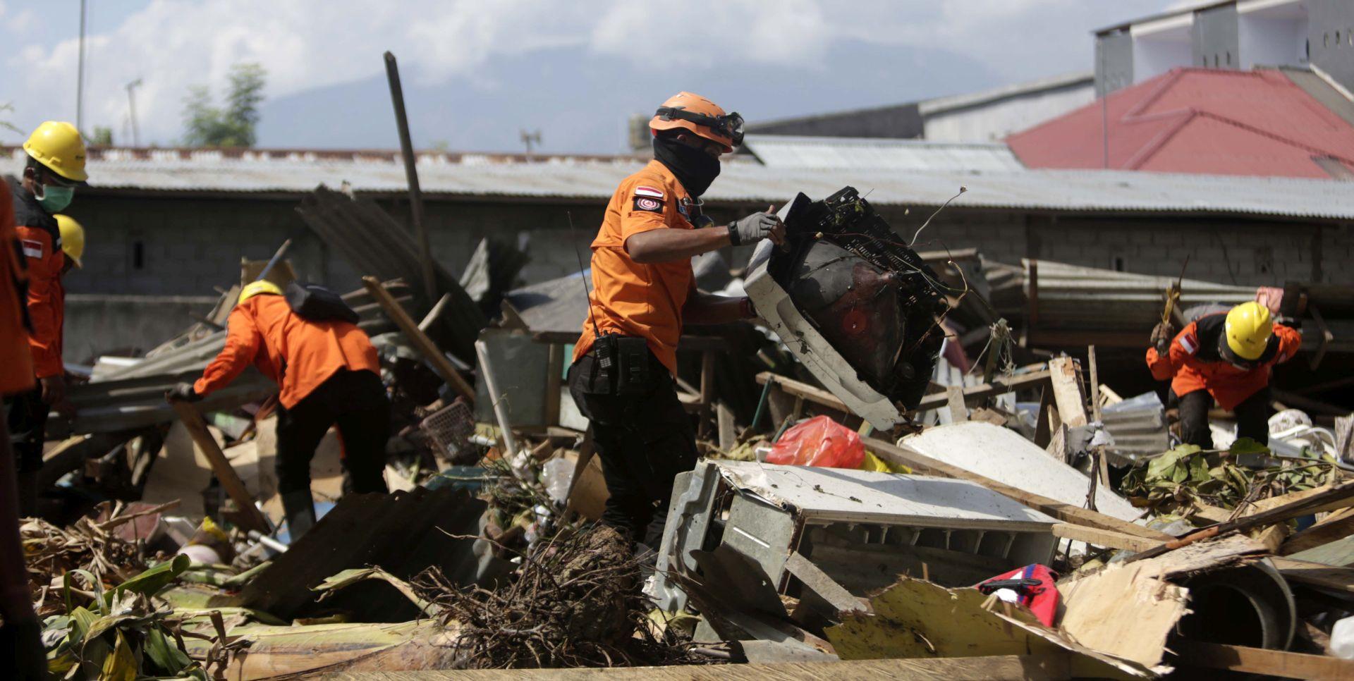 Broj mrtvih u Indoneziji porastao na više od 1200