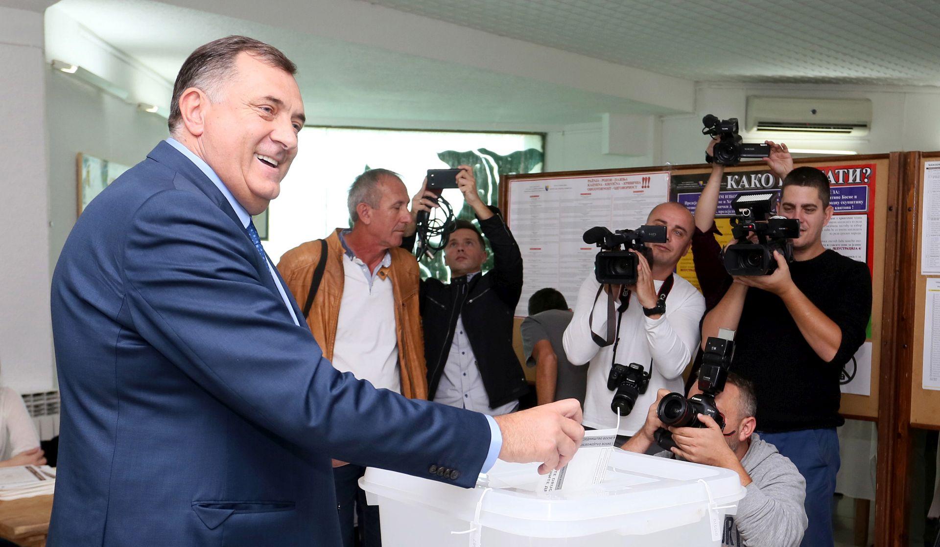Dodik neće u državno predsjedništvo bez zastave Republike Srpske