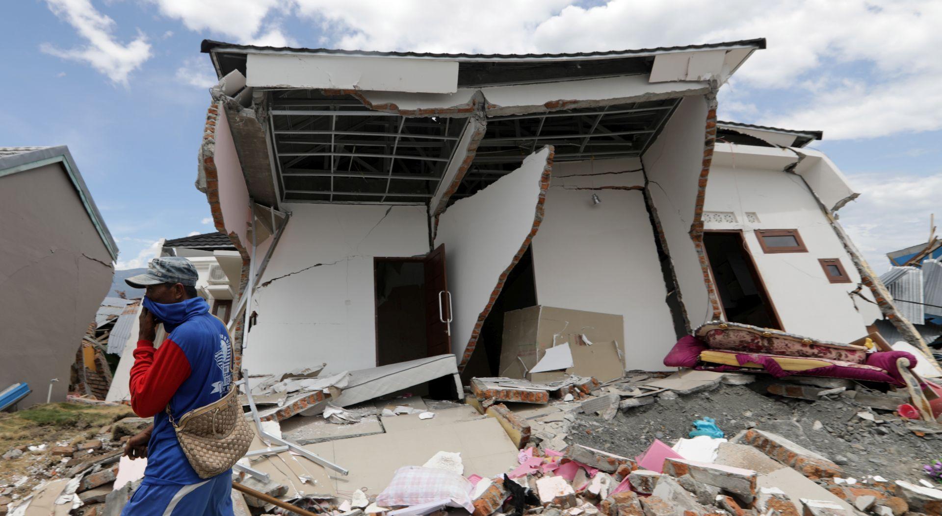 Broj mrtvih nakon potresa u Indoneziji popeo se na 1944