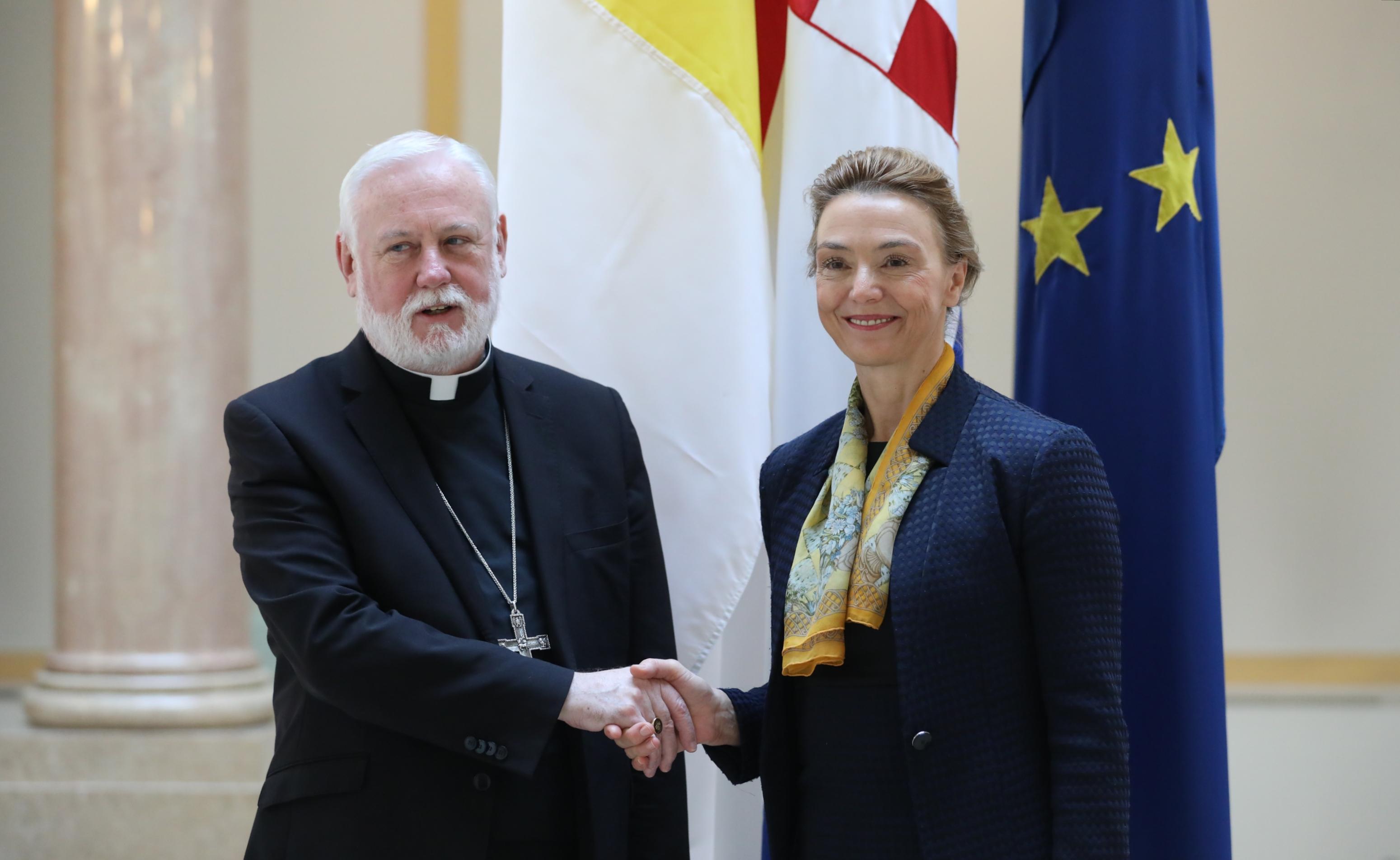 Pejčinović Burić i nadbiskup Gallagher potvrdili odlične odnose Hrvatske i Svete Stolice