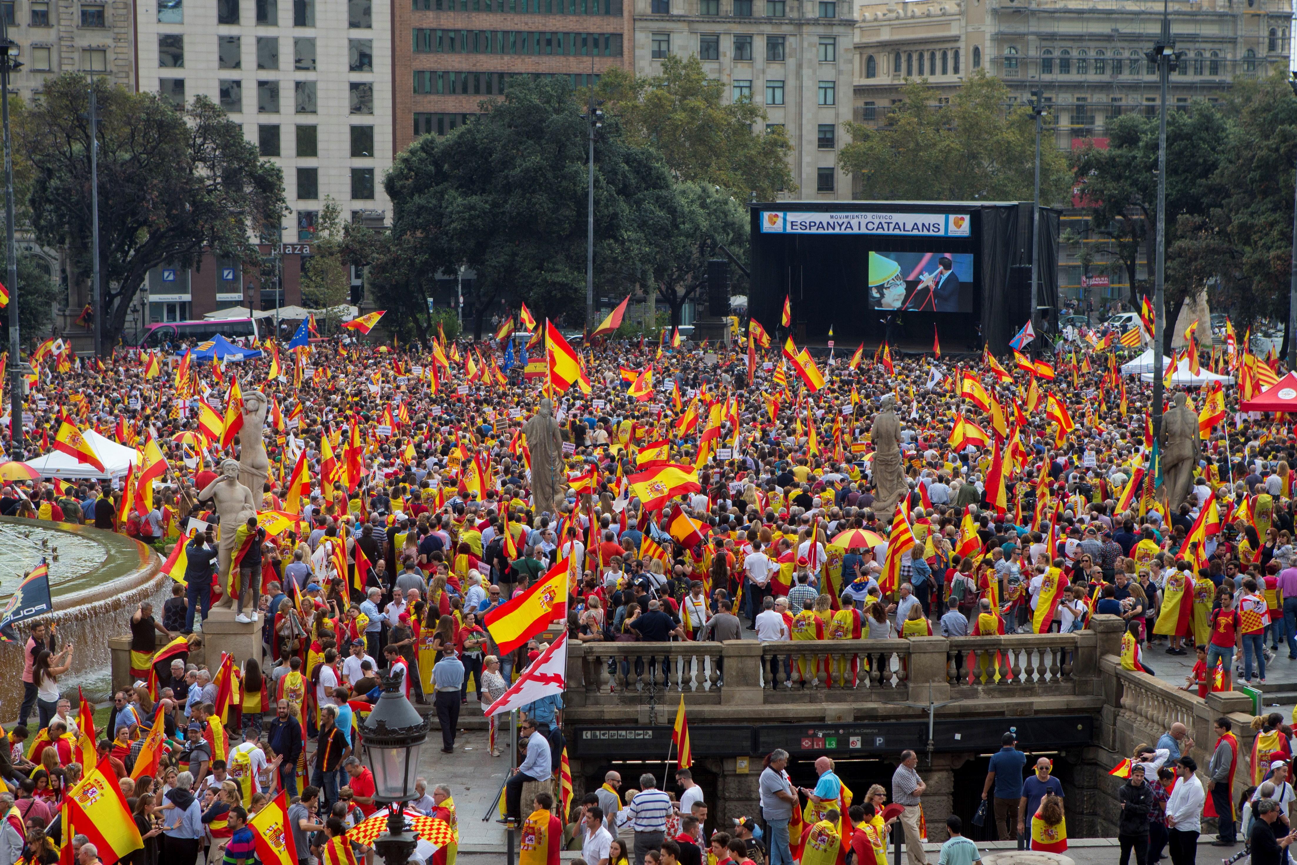 BARCELONA Suparnički skupovi na španjolski nacionalni dan