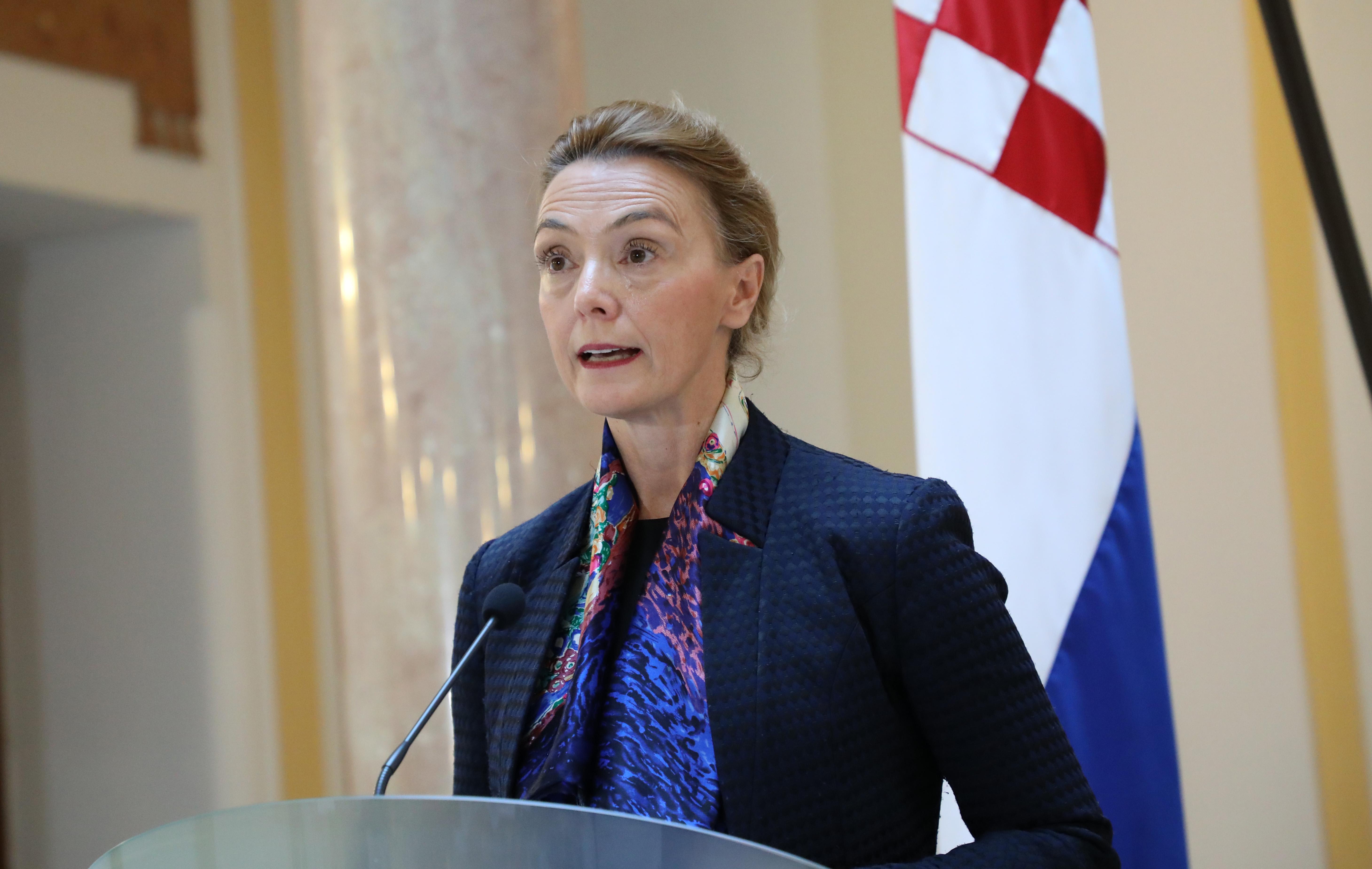 PEJČINOVIĆ BURIĆ 'Nema popuštanja Srbiji'